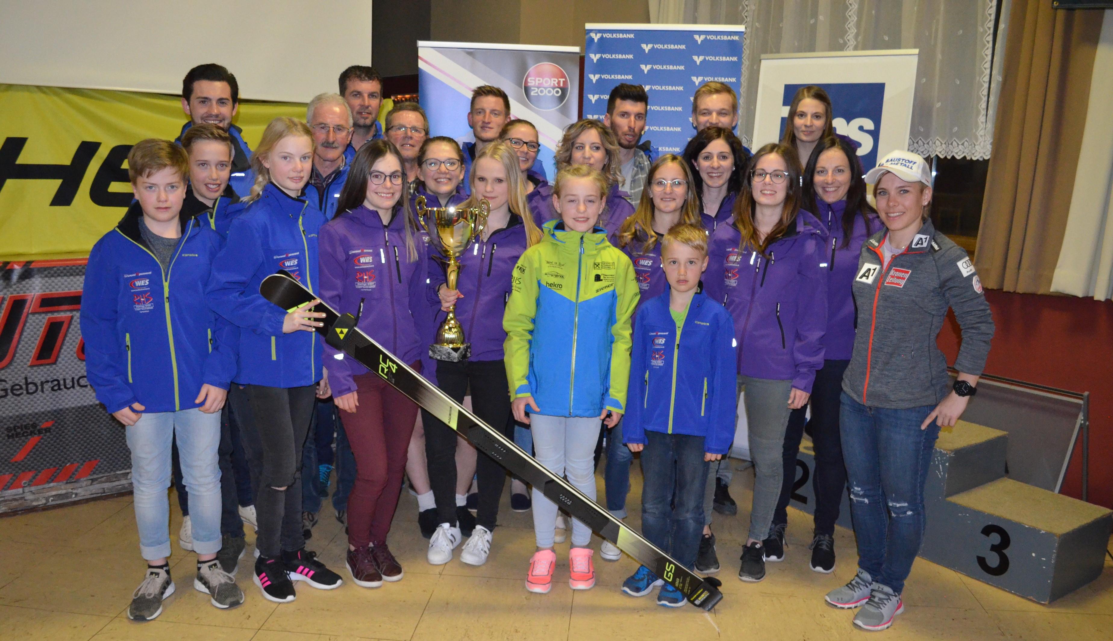 Erfolgreiche Saison mit gebührender Ehrung durch die Weltmeisterin Nicole Schmidhofer