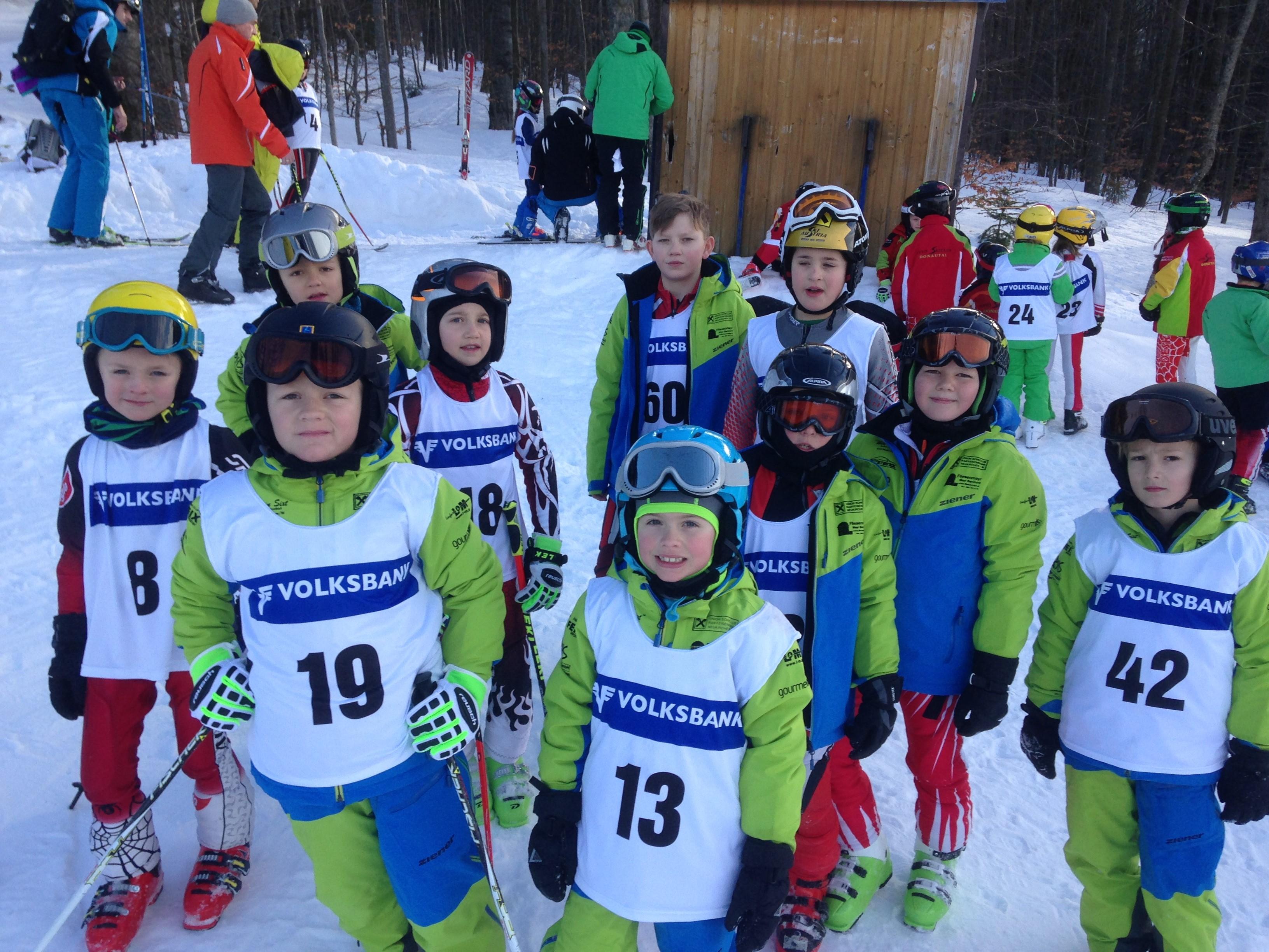 Junge Skirennläufer starten in die Saison